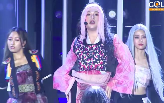 Long Chun hoá Jennie (BLACKPINK) phiên bản nặng ký nhưng nhảy bốc không kém ai! - ảnh 1