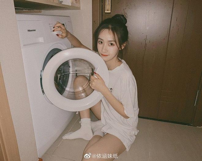 5 hành động dại dột khi sử dụng máy giặt khiến quần áo mãi không sạch, thậm chí còn chứa đầy vi khuẩn gây bệnh - Ảnh 1.