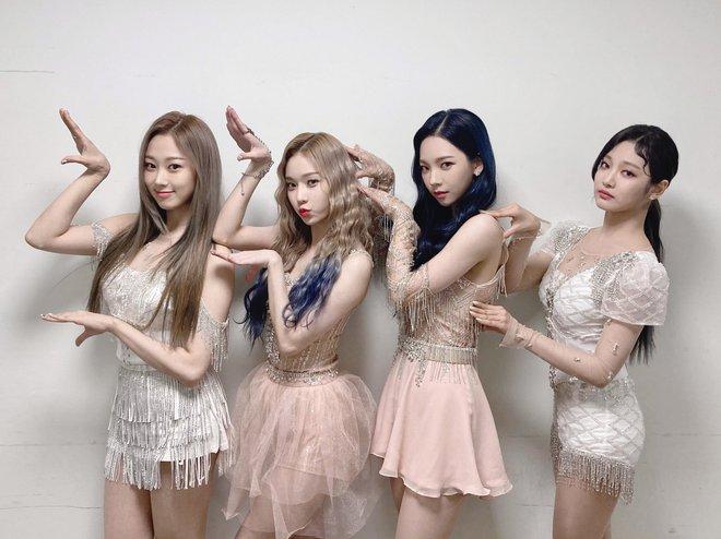 Sân khấu của aespa lại bị tố đạo nhái, netizen mỉa mai SM không còn là sách mẫu, để gà nổi bằng scandal - ảnh 8