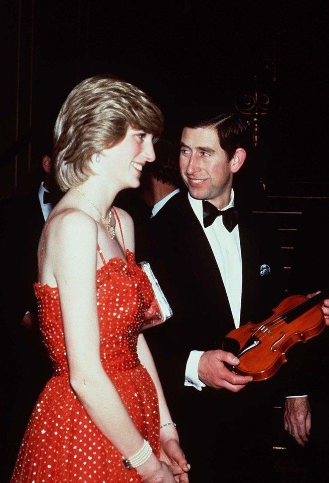Được công nhận là nữ nhân Hoàng gia xinh đẹp nhất thế giới, chẳng ai biết Công nương Diana lại cực kỳ tự ti về tận 5 điểm trên cơ thể mình - Ảnh 4.