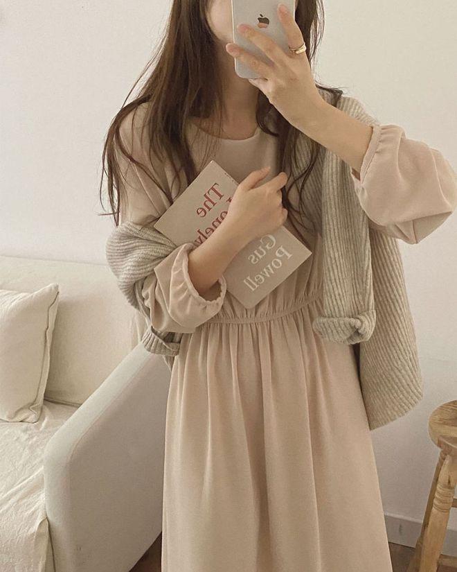 4 kiểu váy oversized mặc siêu xinh, giấu dáng cực khéo nên đang được hội gái Hàn chăm chỉ lăng xê - ảnh 7