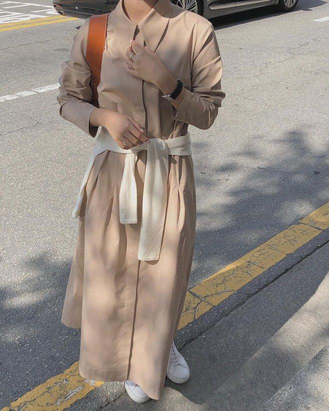 4 kiểu váy oversized mặc siêu xinh, giấu dáng cực khéo nên đang được hội gái Hàn chăm chỉ lăng xê - ảnh 1