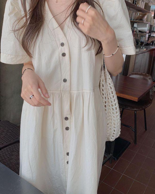 4 kiểu váy oversized mặc siêu xinh, giấu dáng cực khéo nên đang được hội gái Hàn chăm chỉ lăng xê - ảnh 10