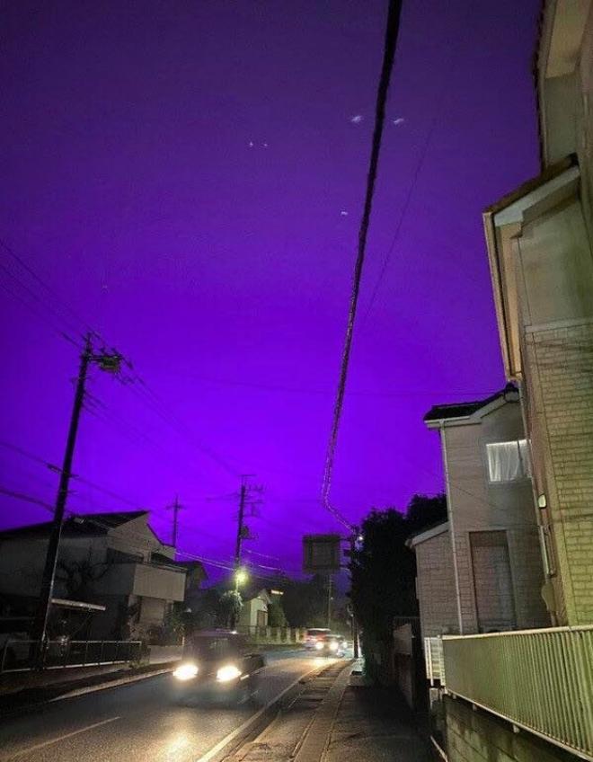 Nhật Bản: Bầu trời bỗng chuyển màu tím như phim kinh dị khiến nhiều người hoang mang, nhưng khi biết nguyên nhân ai nấy đều ngã ngửa - ảnh 3
