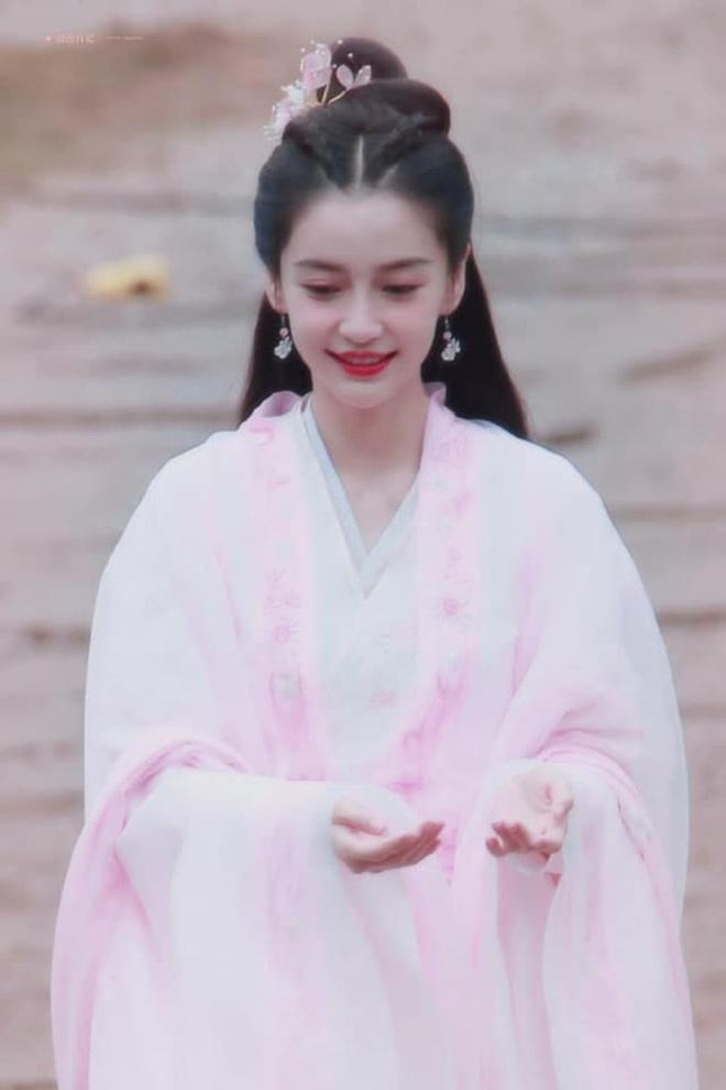 Angela Baby bị tố mượn trang phục của Dương Mịch, bất ngờ là khán giả bênh vực hết cỡ - ảnh 8