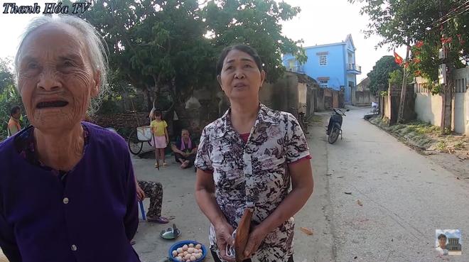 Bà hàng xóm ngóng Đỗ Thị Hà về làng từng ngày, vui quá nhầm một phát từ Hoa Hậu Việt Nam sang... nhất thế giới - ảnh 1