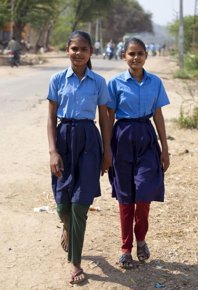 Nhìn qua đồng phục đến trường của học sinh ở các quốc gia trên thế giới, ẩn sau mỗi thiết kế đôi khi là những lý do riêng đặc biệt - ảnh 12