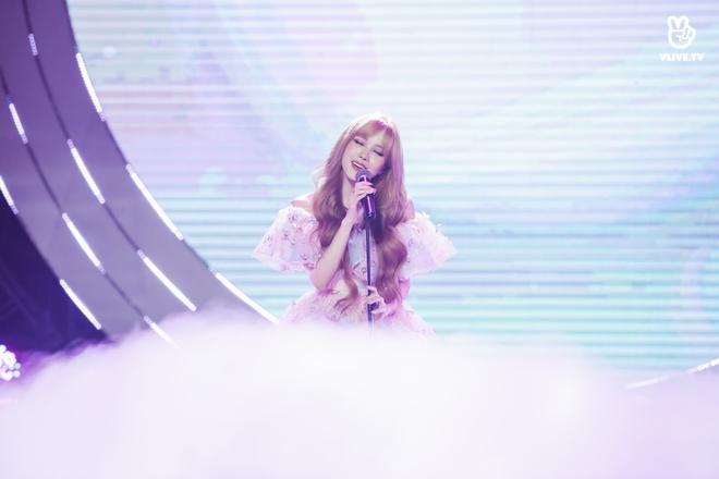 Vũ Cát Tường dẫn lối khán giả qua các hành tinh, Min suýt hoá nữ rocker, Thiều Bảo Trâm tiết lộ tung MV mới tại V Heartbeat tháng 11 - Ảnh 6.