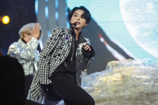 Vũ Cát Tường dẫn lối khán giả qua các hành tinh, Min suýt hoá nữ rocker, Thiều Bảo Trâm tiết lộ tung MV mới tại V Heartbeat tháng 11 - Ảnh 20.