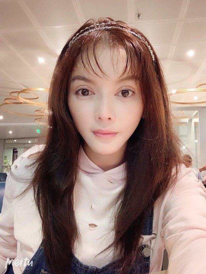 Không cái dại nào như cái dại cắt mái ẩu: Hương Giang, Đông Nhi,... cùng loạt sao nữ tự huỷ nhan sắc nhờ tóc mái phản chủ - ảnh 11