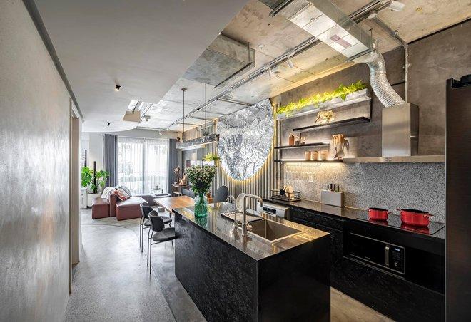 Mạnh tay đập bỏ hết tường và trần nhà, chàng trai Sài Gòn có ngay căn hộ studio cực ấn tượng, không gian mở được tận dụng tối đa - Ảnh 15.