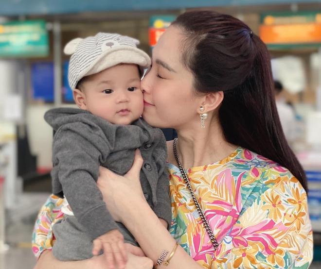 Khoe ảnh cưng xỉu của Đặng Thu Thảo và con trai, doanh nhân Trung Tín ghen tị ra mặt vì bị tụt hạng trong gia đình? - ảnh 1