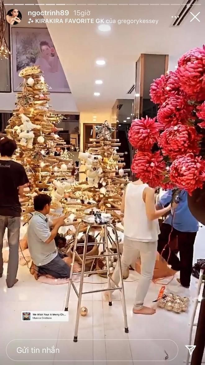 Dàn sao Vbiz rộn ràng đón lễ Tạ ơn - Giáng sinh, choáng nhất Ngọc Trinh, Phạm Hương và Lã Thanh Huyền trang hoàng nhà lồng lộn - Ảnh 10.