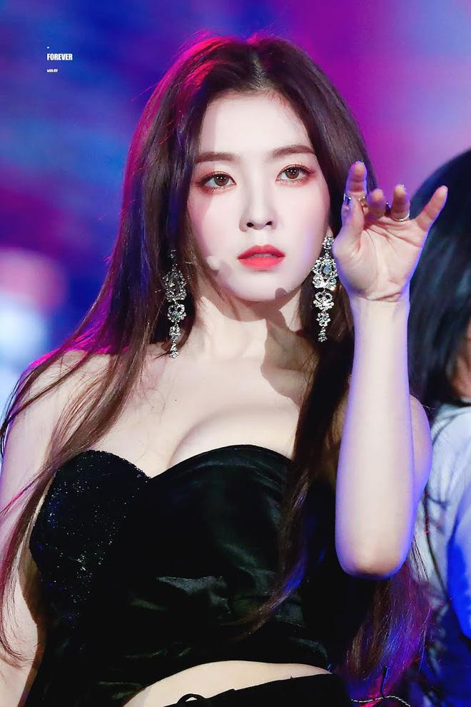 Bức ảnh gây lú cực mạnh: Netizen tranh cãi kịch liệt xem là Irene hay Taeyeon, kết quả cuối cùng khiến dân tình ngã ngửa - ảnh 2