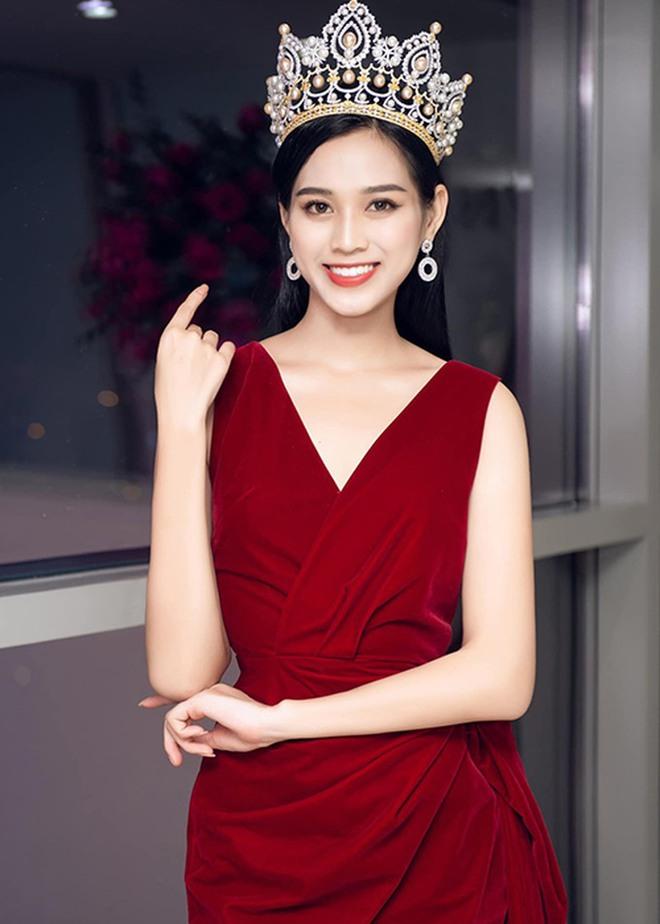 Sau sự cố bị dìm hàng, Hoa hậu Đỗ Thị Hà công khai clip hậu trường lột xác: Make up Tây sắc như dao, thần thái ngút ngàn! - ảnh 4