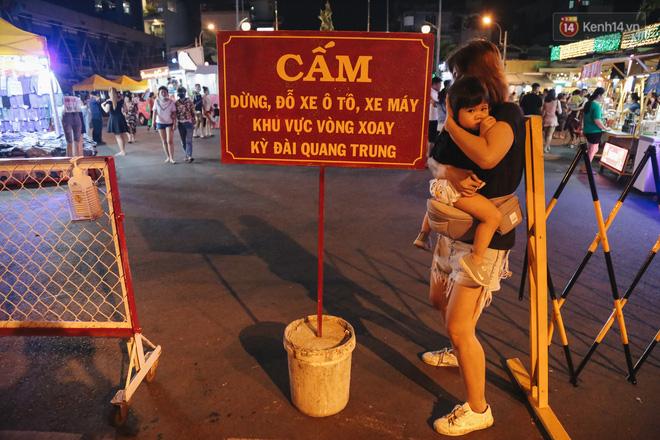 Cận cảnh phố đi bộ đêm thứ 3 vừa hoạt động thử nghiệm ở Sài Gòn - ảnh 2