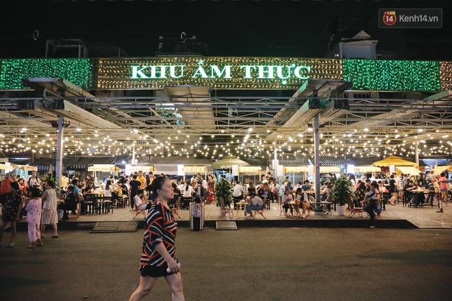 Cận cảnh phố đi bộ đêm thứ 3 vừa hoạt động thử nghiệm ở Sài Gòn - ảnh 7
