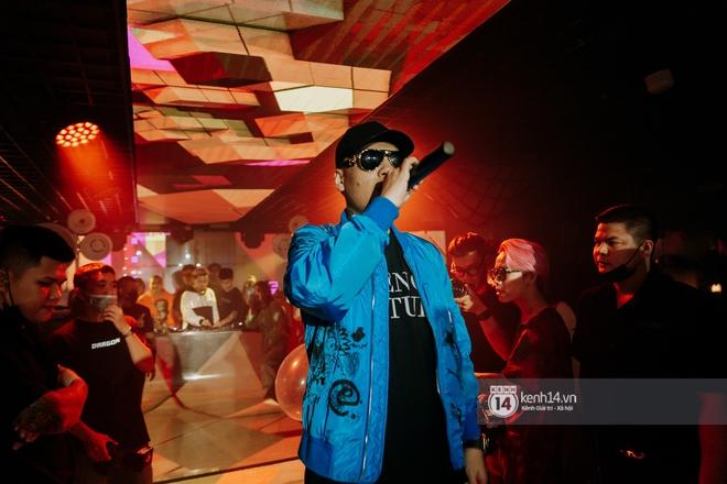 Rhymastic và LK thân thiết mặc phát ngôn động chạm trước đó, giám khảo Rap Việt tiết lộ lí do thường xuyên đeo kính đen khi diễn - ảnh 14