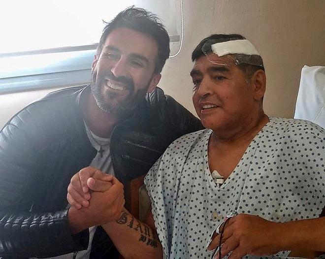 Bác sĩ riêng phản pháo cáo buộc chịu trách nhiệm cái chết của Maradona: Diego đơn giản đã đầu hàng bệnh tật - ảnh 2