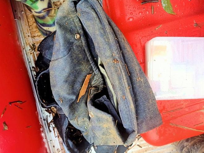 Tìm thấy túi xách và điện thoại của 2 du khách bị lũ cuốn mất tích ở Lâm Đồng - ảnh 1