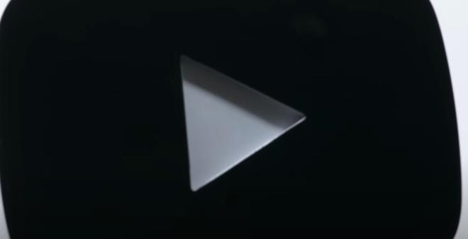 BLACKPINK tung clip unboxing nút ruby YouTube nhưng phấn khích hơn cả là hint về điều bí mật được tung ra vào ngày 4/12? - ảnh 2