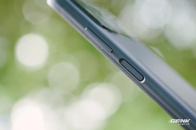 Trên tay POCO M3: Chỉ hơn 3 triệu đồng đã có mặt lưng giả da, loa kép, camera 48MP, pin khủng 6.000mAh - Ảnh 9.
