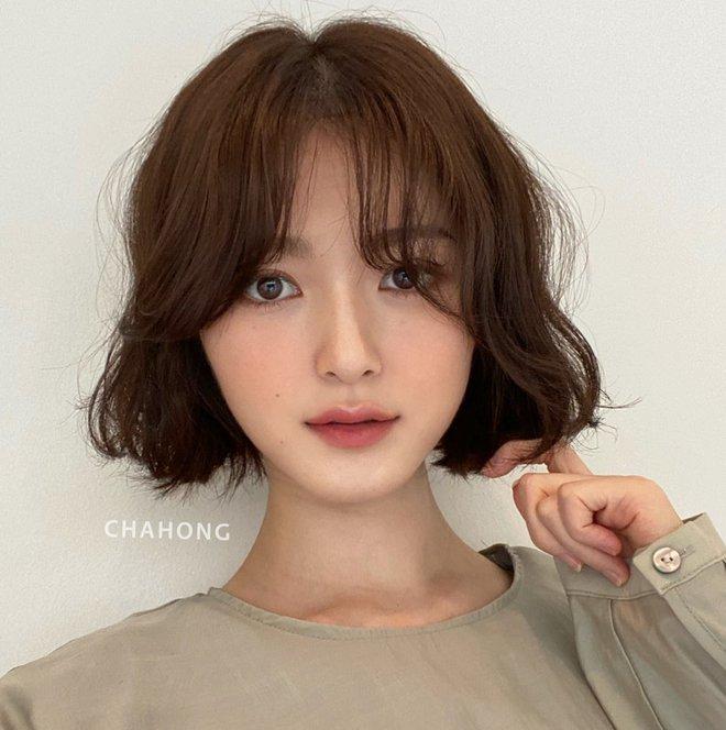 """Đâu phải cứ tóc xoăn là """"dừ"""", 4 kiểu xoăn của gái Hàn này sẽ khiến bạn xinh đẹp hơn và còn trẻ ra trông thấy - Ảnh 4."""
