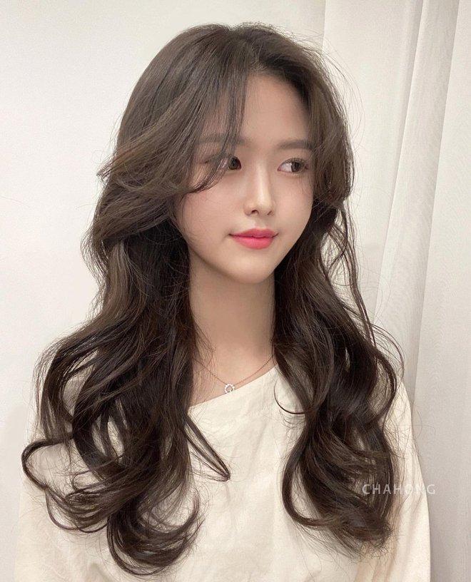 """Đâu phải cứ tóc xoăn là """"dừ"""", 4 kiểu xoăn của gái Hàn này sẽ khiến bạn xinh đẹp hơn và còn trẻ ra trông thấy - Ảnh 2."""