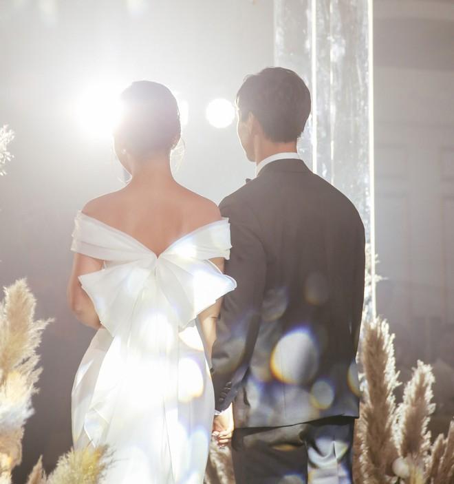 Soi 2 đám cưới Công Phượng và Bùi Tiến Dũng: Tổ chức tận 3 nơi, dàn khách mời khủng và những chi tiết đặc biệt - ảnh 24