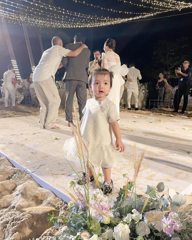 Soi 2 đám cưới Công Phượng và Bùi Tiến Dũng: Tổ chức tận 3 nơi, dàn khách mời khủng và những chi tiết đặc biệt - ảnh 31