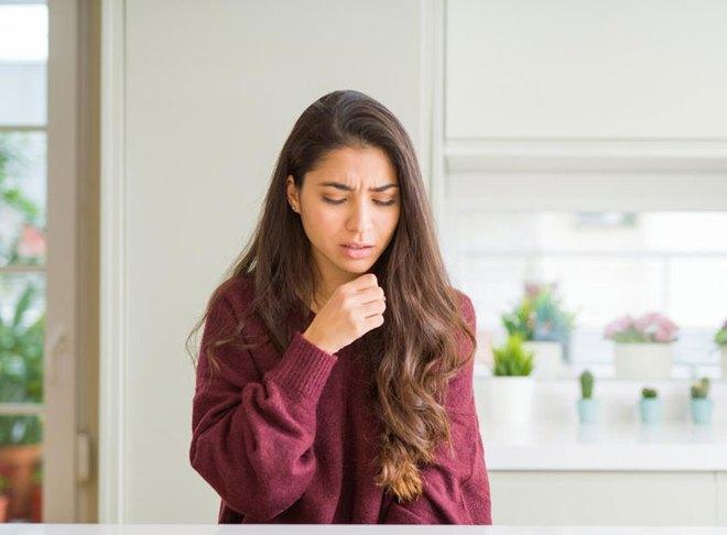 Trời ngày càng lạnh, nếu cổ họng có 3 dấu hiệu lạ thì bạn nên chú ý vì nguy cơ phổi đang bị tổn thương cao - Ảnh 2.