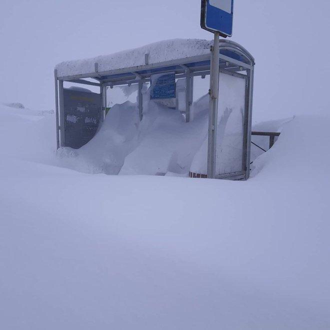Loạt hình ảnh trong mùa đông khắc nghiệt, băng tuyết trắng xoá ở nước Nga chỉ nhìn thôi cũng đủ thấy rét run cầm cập - Ảnh 4.