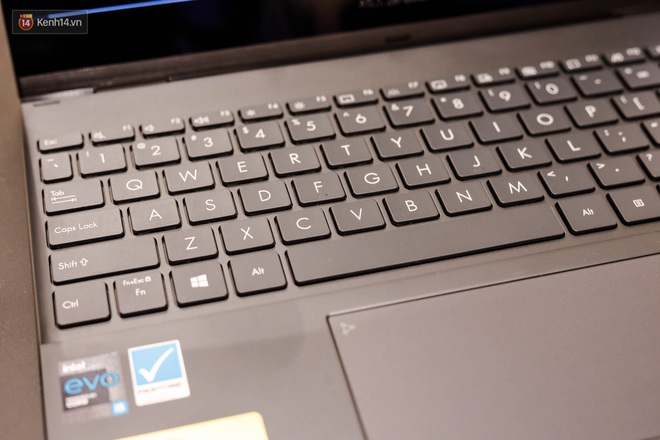 Trên tay nhanh ASUS ZenBook Flip 2020: Mỏng, nhẹ, đẹp! - Ảnh 7.