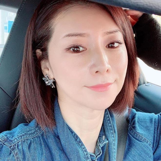 """""""Phù thủy làn da"""" Nhật Bản đã 52 tuổi vẫn trẻ đẹp như đôi mươi nhờ cách skincare 333 cho sáng chiều tối - Ảnh 1."""