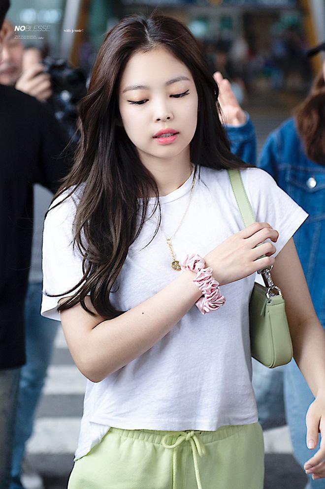 4 trend tóc được Jennie lăng xê: Fan mê đã đành, đến hội sao Việt cũng đu theo mải miết - Ảnh 1.