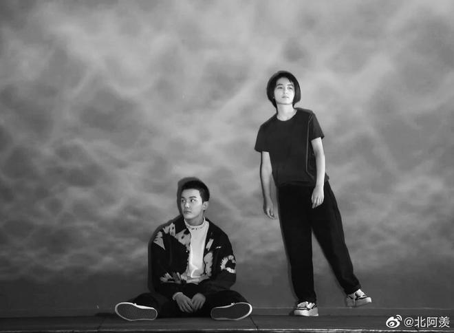 Ngô Lỗi - Trương Tử Phong tái hợp trong phim điện ảnh mới, cư dân mạng nháo nhào đòi ship - ảnh 2