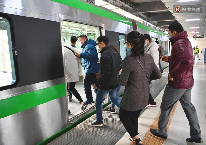 Ảnh: Diễn tập giả định cháy trên tàu và nhà ga tại dự án Cát Linh - Hà Đông - ảnh 15
