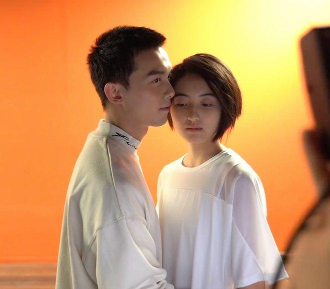 Ngô Lỗi dính không rời Trương Tử Phong trên phim trường, nhà gái ái ngại đến mức tái xanh cả mặt! - ảnh 5