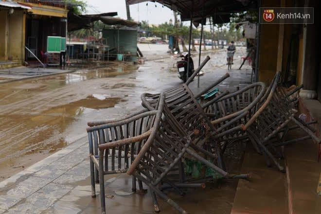 Chùm ảnh: Người dân Hội An vật vã dọn bùn non sau trận lụt thứ 8 trong năm - ảnh 8