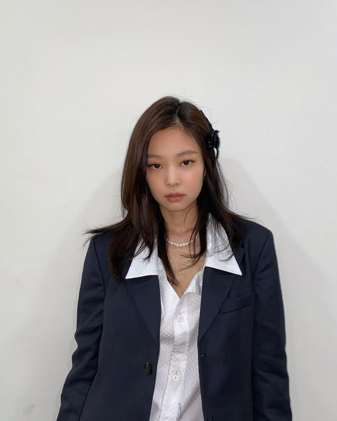 5 kiểu tóc lửng lơ thật trẻ xinh xịn mịn cho những nàng không thích tóc quá ngắn, cũng chẳng muốn nuôi tóc dài - Ảnh 1.