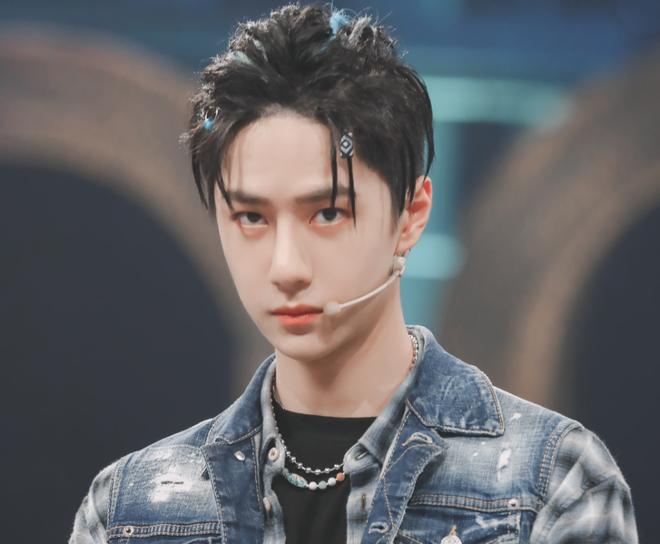 Vương Nhất Bác bị nghi lợi dụng Trần Tình Lệnh để đua top bình chọn diễn viên nam ở báo Trung - ảnh 1