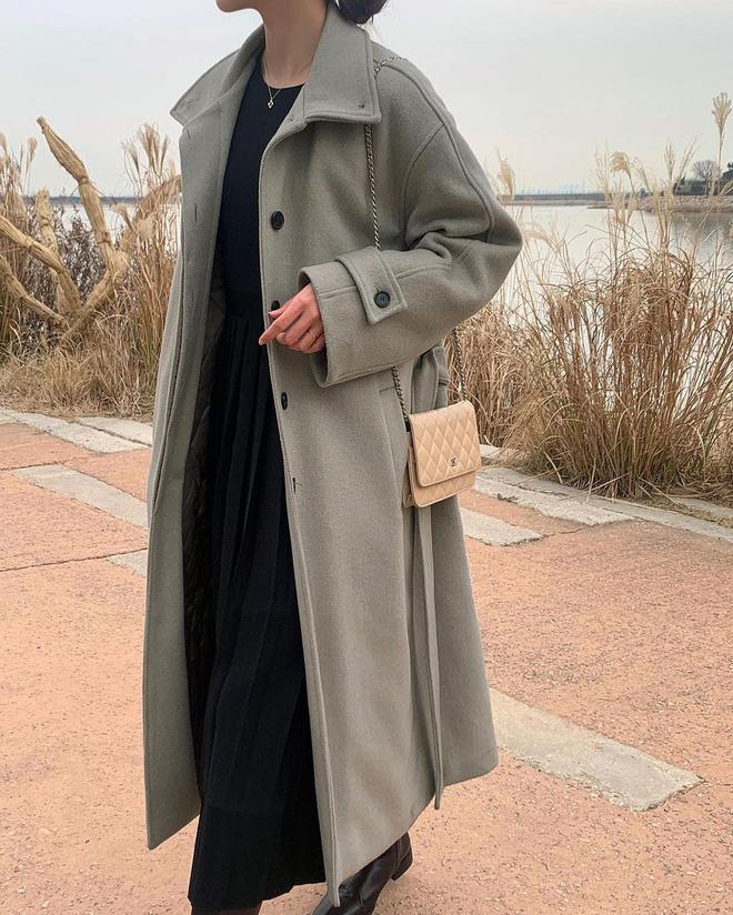 Trời rét đậm là chị em phải ôn lại ngay 4 cách diện áo khoác dạ siêu ấm mà sang chảnh, thanh lịch có thừa của gái Hàn - Ảnh 3.