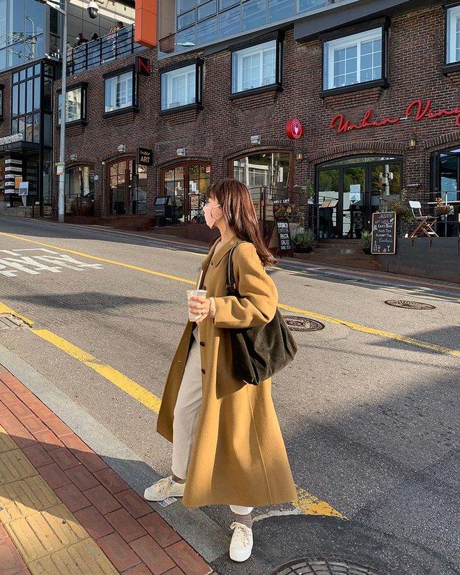 Trời rét đậm là chị em phải ôn lại ngay 4 cách diện áo khoác dạ siêu ấm mà sang chảnh, thanh lịch có thừa của gái Hàn - Ảnh 4.