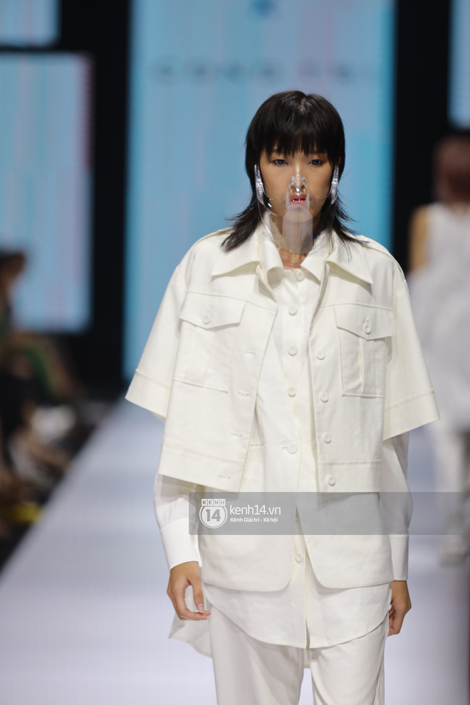 Trọn vẹn BST mới nhất của NTK Công Trí tại AVIFW 2020: Màn giao thoa đỉnh cao giữa High Fashion và Street Fashion - ảnh 20