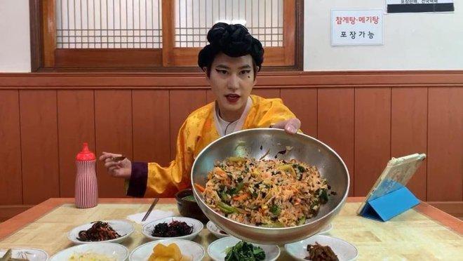 Kyuhyun (Super Junior) than trời vì quá căng thẳng khi tham gia show ẩm thực, biết lý do ai cũng gật gù cảm thông - Ảnh 2.