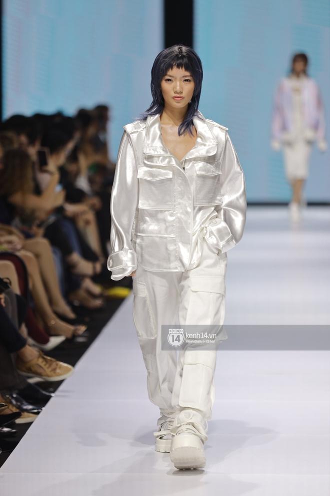 Trọn vẹn BST mới nhất của NTK Công Trí tại AVIFW 2020: Màn giao thoa đỉnh cao giữa High Fashion và Street Fashion - ảnh 14