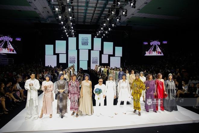 Trọn vẹn BST mới nhất của NTK Công Trí tại AVIFW 2020: Màn giao thoa đỉnh cao giữa High Fashion và Street Fashion - ảnh 26