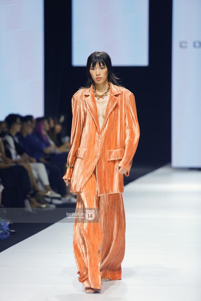 Trọn vẹn BST mới nhất của NTK Công Trí tại AVIFW 2020: Màn giao thoa đỉnh cao giữa High Fashion và Street Fashion - ảnh 7
