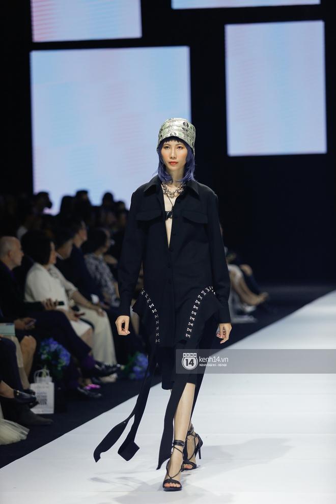 Trọn vẹn BST mới nhất của NTK Công Trí tại AVIFW 2020: Màn giao thoa đỉnh cao giữa High Fashion và Street Fashion - ảnh 22