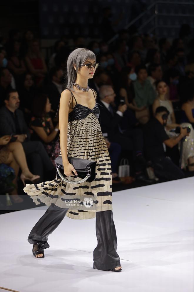 Trọn vẹn BST mới nhất của NTK Công Trí tại AVIFW 2020: Màn giao thoa đỉnh cao giữa High Fashion và Street Fashion - ảnh 19